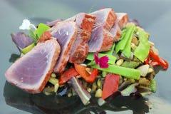 Atum e vegetais Foto de Stock