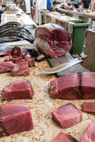 Atum fresco em dos Lavradores de Mercado do mercado de peixes Funchal Fotografia de Stock