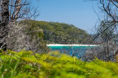 Aturdindo a vista da praia de Murrays, situada dentro do parque nacional de Booderee em Jervis Bay Territory fotos de stock