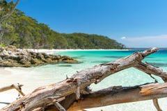 Aturdindo a vista da praia de Murrays, situada dentro do parque nacional de Booderee em Jervis Bay Territory imagens de stock royalty free