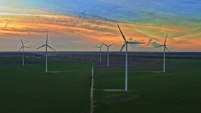 Aturdir las turbinas de viento en la oscuridad, visión aérea metrajes
