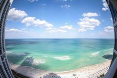 Atut góruje widok na ocean Obrazy Royalty Free
