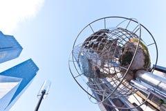 Atutowy budynek i Time Warner Górujemy przy Kolumb  Zdjęcia Stock