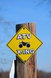 ATV Überfahrt-Zeichen Lizenzfreies Stockbild