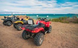 ATV auf dem Strand Stockfotografie