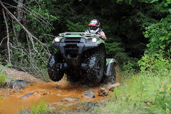 ATV in kreek