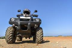 ATV offroad na morza i nieba tle Obraz Royalty Free