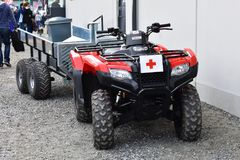 ATV som Röda korsettransportmedlet royaltyfri foto
