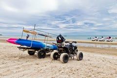 ATV sur la plage. Photographie stock libre de droits