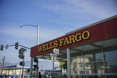 Außenansicht des berühmten Wells Fargo Bank Lizenzfreie Stockfotos