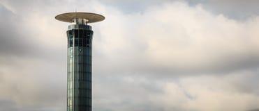 Außenansicht des Kontrollturms südlich von Roissy Charles De Ga lizenzfreie stockfotografie