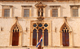 Außenansicht des Sponza Palastes (Dubrovnik, Kroatien) Stockbilder