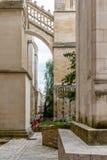 Außenansicht von St. Andrew Cathedral im Bordeaux stockbilder