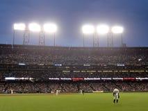 Außenfeldspieler Cody Ross steht zum Spiel als Pitcherwurf bereit Stockbilder