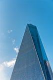 Außenglasfassade von einem World Trade Center Stockbild