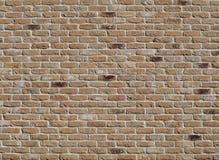 Außenwand hergestellt von den alten verwitterten rauen Ziegelsteinen Einige von diesen werden befleckt stockbilder