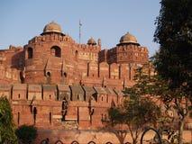 Außerhalb des roten Forts in Agra, Indien Stockfoto