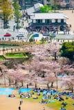 Außerhalb Himeji-Schlosses Stockfotos