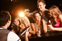 Au bar Image stock