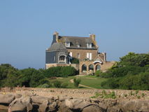côte de Granit Rosa do la do sur do bretonne de Maison Fotografia de Stock