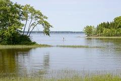 Au bord du lac dans le Canada oriental images stock