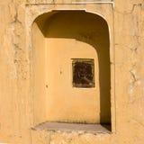 1799 au-dessous de la pièce mahal discrète de palais de l'Inde Jaipur de hawa de harem de formes conçue par ville de construction Image libre de droits