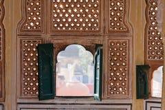 1799 au-dessous de la pièce mahal discrète de palais de l'Inde Jaipur de hawa de harem de formes conçue par ville de construction Images stock
