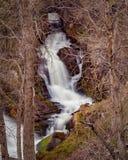 Au-dessus de la cascade d'écoulement aux automnes de White River Image libre de droits
