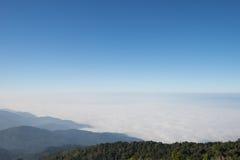 Au-dessus de la montagne image libre de droits