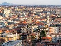 au-dessus de la vue de Citta Bassa (ville inférieure) de Bergame images libres de droits