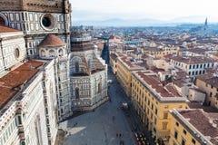 Au-dessus de la vue de Piazza del Duomo à Florence Photographie stock libre de droits