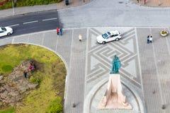Au-dessus de la vue de la statue d'eiriksson de leifur à Reykjavik photos libres de droits