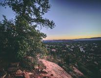 Au-dessus de regarder la ville en Arizona Photographie stock libre de droits