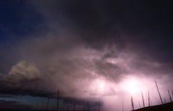 Au-dessus des grèves surprise d'orage de crique de tour Yellowstone NP photo libre de droits