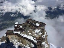 Au-dessus des nuages Vue de Chamonix des Alpes photographie stock libre de droits