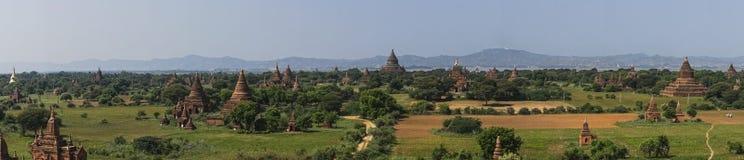 Au-dessus des temples de Bagan photographie stock