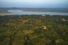 Au-dessus des temples de Bagan Photo stock
