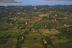 Au-dessus des temples de Bagan Photo libre de droits