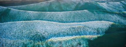 Au-dessus des vagues sur San Diego Coast Images libres de droits