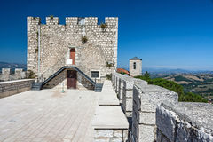 Au-dessus du château Images libres de droits
