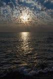au-dessus du soleil de mer Photographie stock libre de droits
