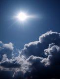 au-dessus du soleil de nuages Photo libre de droits