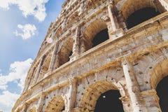 Au?enansicht alten Roman Colosseums in Rom lizenzfreie stockbilder