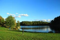 Au lac Photo stock