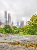 Au lac dans le Central Park photos libres de droits