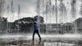 Au milieu de la fontaine Image libre de droits