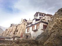 Au milieu du vieux village Lamayuru photo libre de droits