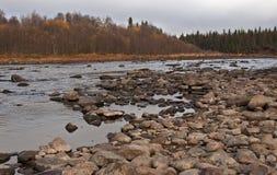 Au nord de Russia.Rivers. Photo stock