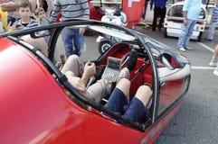 Au ` riche-Mobilty de ¼ du ` ZÃ - jour beaucoup de peuples ont essayé d'électro voitures et vélos Photos stock