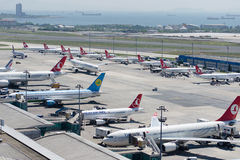 Au sol de sud d'aéroport de LTBA Istanbul Ataturk Image stock